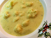 cauliflower & blue cheese soup (c)2006 AWC