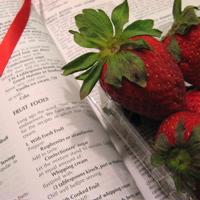 strawberries (c)2007 AEC